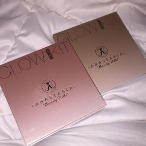 Anastasia Beverly Hills glow kits like new